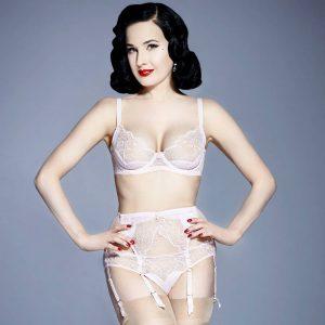 parure lingerie glamour dentelle porte jarretelles dita von teese